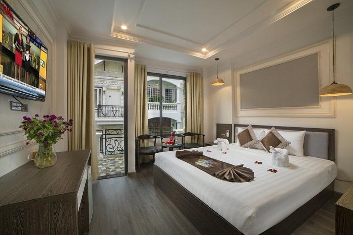 Junior Suite with Balcony chưa VAT