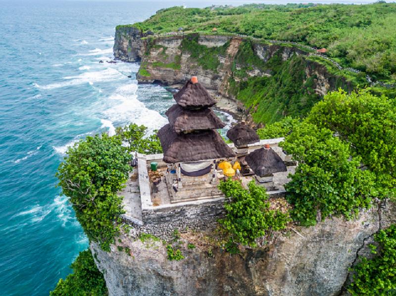 den-Uluwatu-Bali