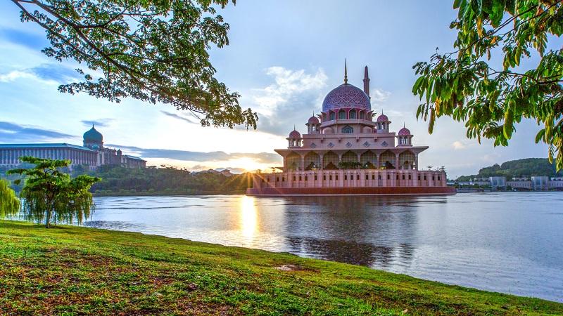 thanh-duong-hoi-giao-Putrajaya