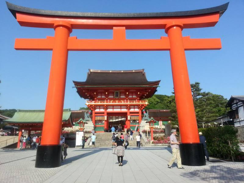 den-Fushimi-Inari-taisha-Kyoto