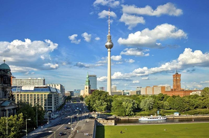 Fernsehturm-thap-truyen-hinh-Berlin
